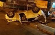 HB20 capota e jovem fica ferido após colisão na Av. Fernando Corrêa