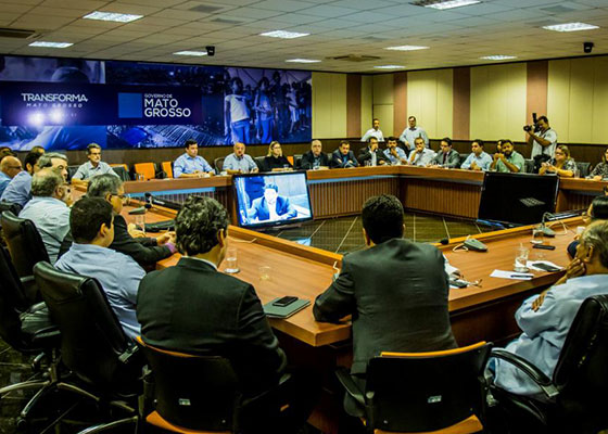 Governador define equipe de transição em reunião com secretariado