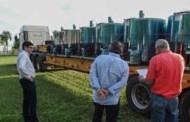 Prefeito recebe resfriadores de leite para pequenos produtores rurais do município