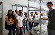 Estudantes participam de aula e visita técnica no laboratório da Empaer
