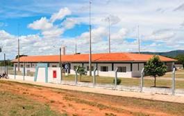 MODELO: Escola Estadual Sabino Ferreira Maia, localizada no distrito de Currupira em Barra do Bugres