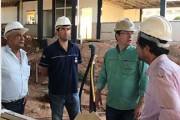 Diretor da Barralcool, prefeito, vice e assessores visitam obras do SENAI-MT