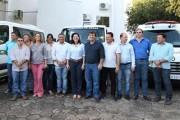 Prefeita de Sinop e vereadores entregam veículos com investimento de R$ 900 mil