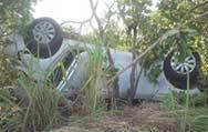 Idosa morre em capotamento de HB-20 na estrada da Chapada e 3 se ferem