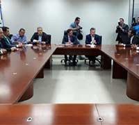 Mauro Mendes e deputados firmam compromisso para quitar dívidas de Taques com municípios e Saúde