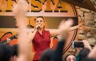 Naiara Azevedo canta nova música 'Chora No Meu Colo' durante participação em 'Malhação'