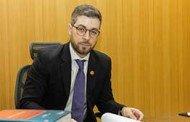 Procurador-geral da ALMT ministra palestra em Encontro Nacional de Procuradores