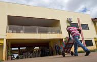 Mais três escolas recebem tintas para revitalização em Cuiabá