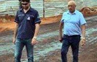 BARRA DO BUGRES: Prefeito e vice visitam obras de pavimentação em torno do SENAI