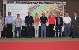 Encontro debate oportunidades e mercados para a agricultura familiar