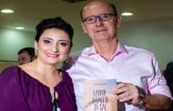 Lançamento do livro da coach Cristiane Carrasco reúne mais de 300 pessoas em Cuiabá