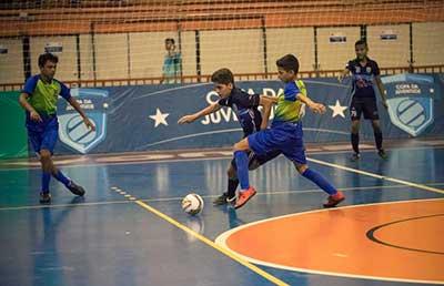 a571d245ed Escolas de Cuiabá e Jangada abrem Copa da Juventude de Futsal