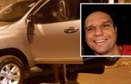 Dentista é executado com três tiros na garagem de casa e vingança pode ter motivado crime