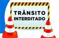 Algumas ruas e avenidas estarão fechadas nesta semana para implantação da rede de esgoto