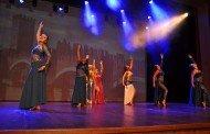Danças espanhola, do ventre e contemporânea se encontram no palco do Teatro Zulmira