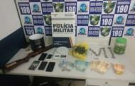 Dupla é presa por vender drogas em frente a Unemat