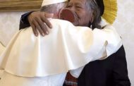 Papa manda devolver doação por causa do