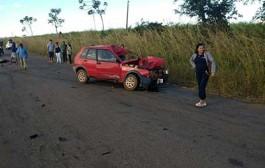Motociclista morre ao invadir pista contrária e bater em carro na MT-343